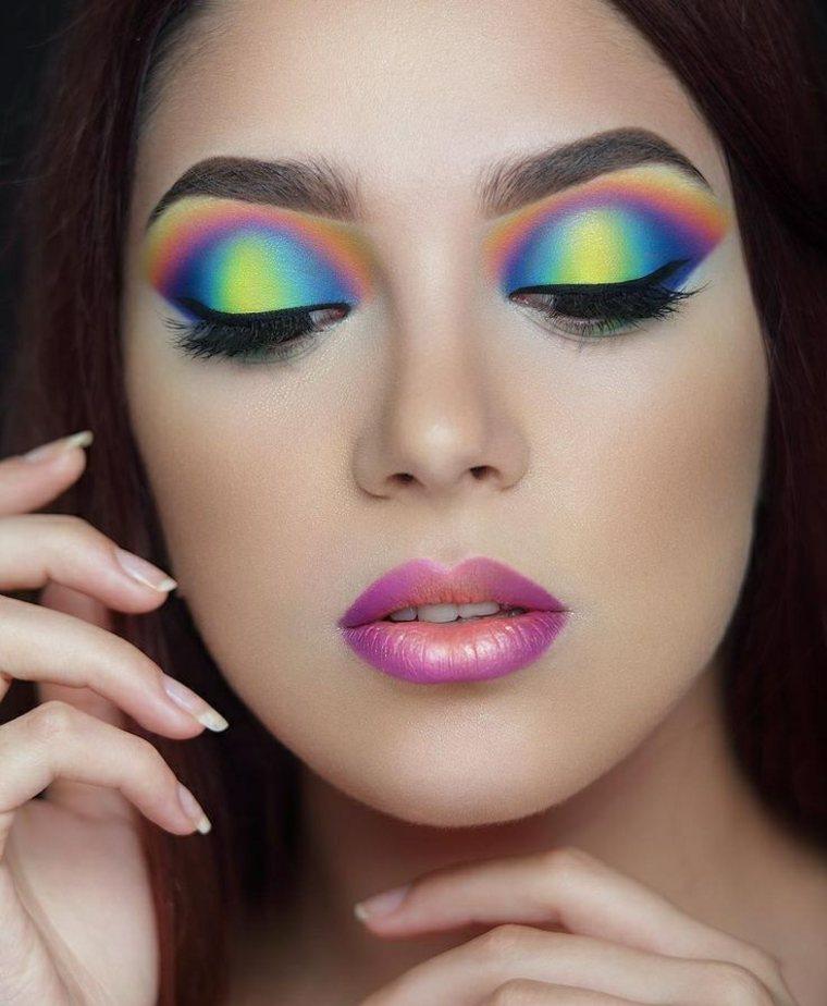 b85d80582 View in gallery fijador de maquillaje-ojos-verano Maquillaje de moda para  el verano del 2018, ideas llenas de colores ...