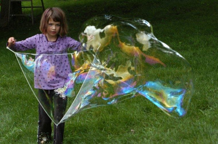hacer-burbujas-de-jabón