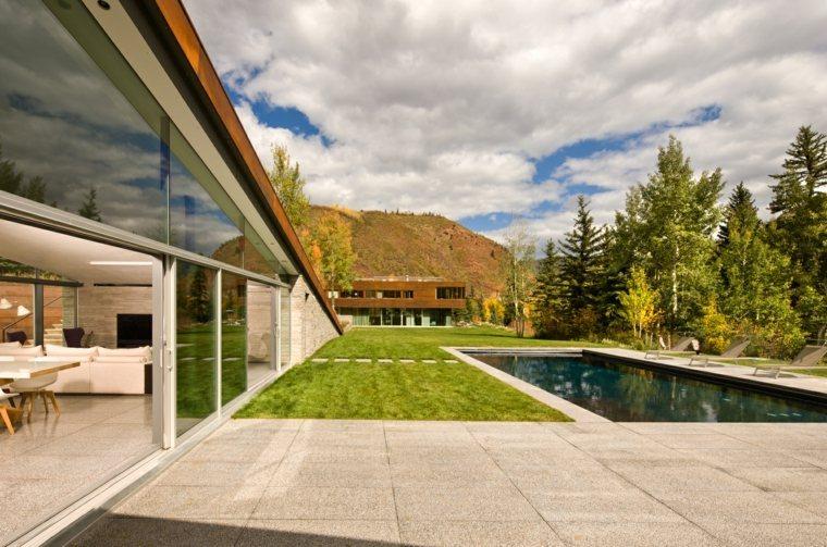 hierba-piscina-opciones-casa-montana