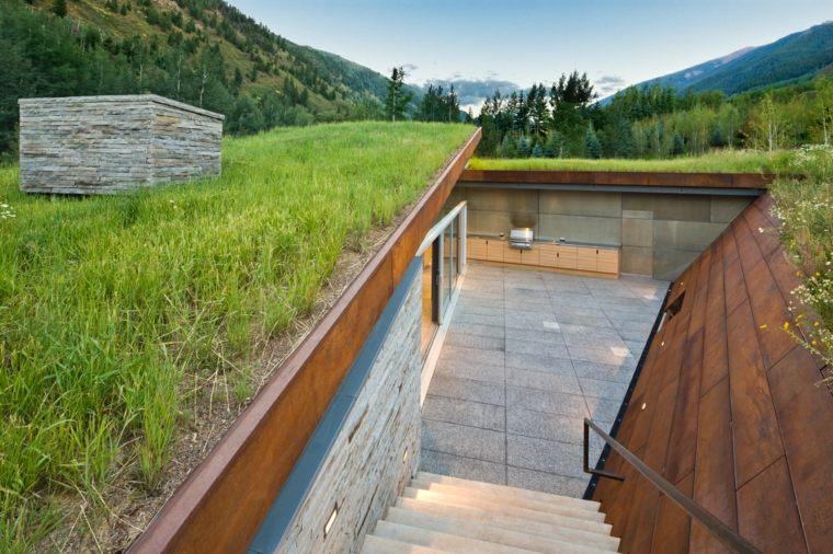 hierba-verde-casa-montana-Gluck-plus-estilo