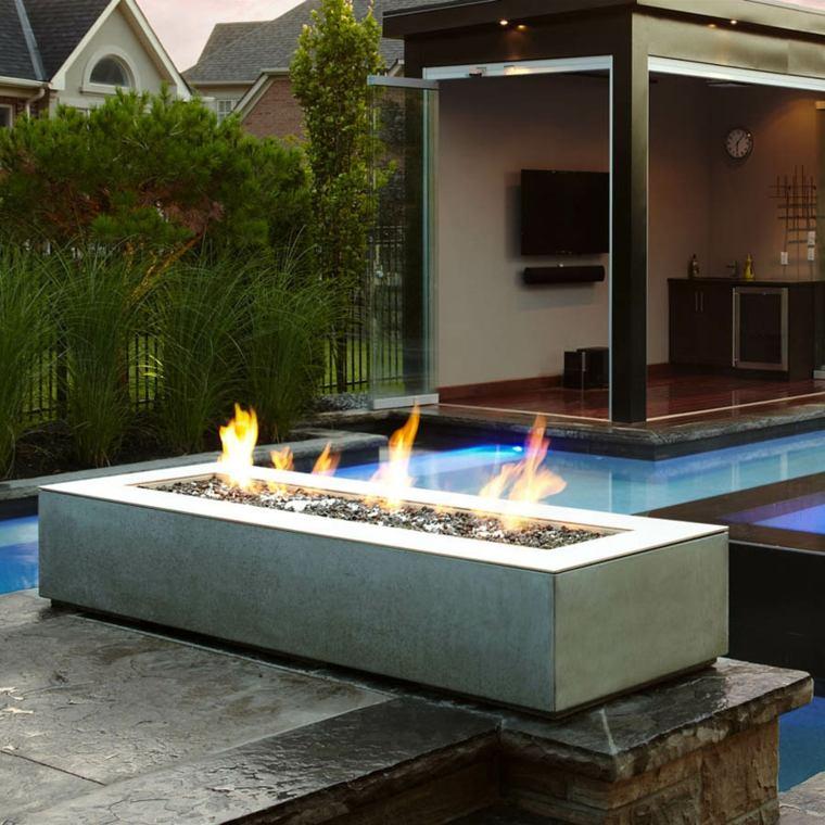patios con chimeneas y barbacoas para exterior