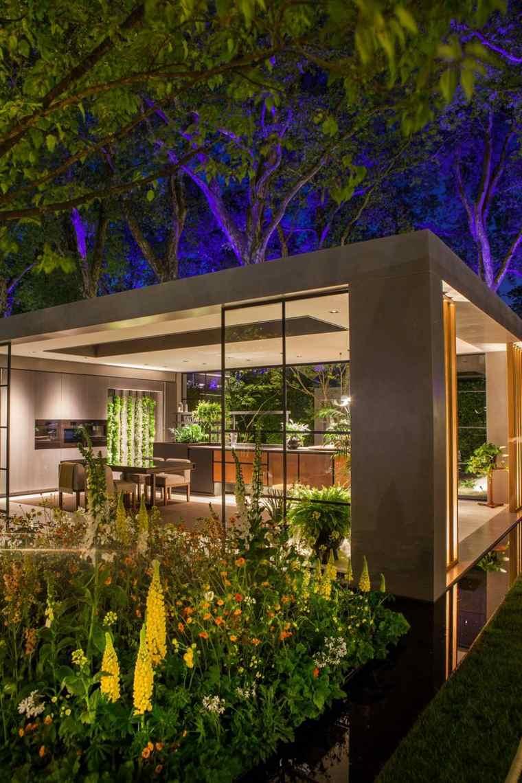 jardin-urbano-de-noche