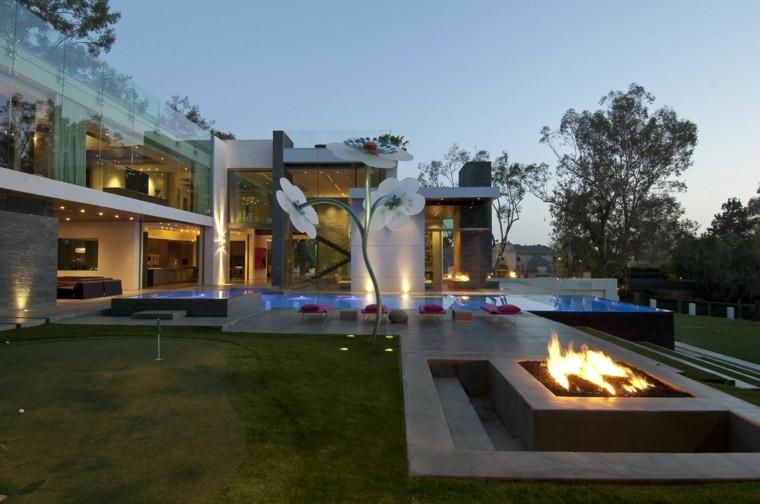 jardines con chimeneas y barbacoas para exterior