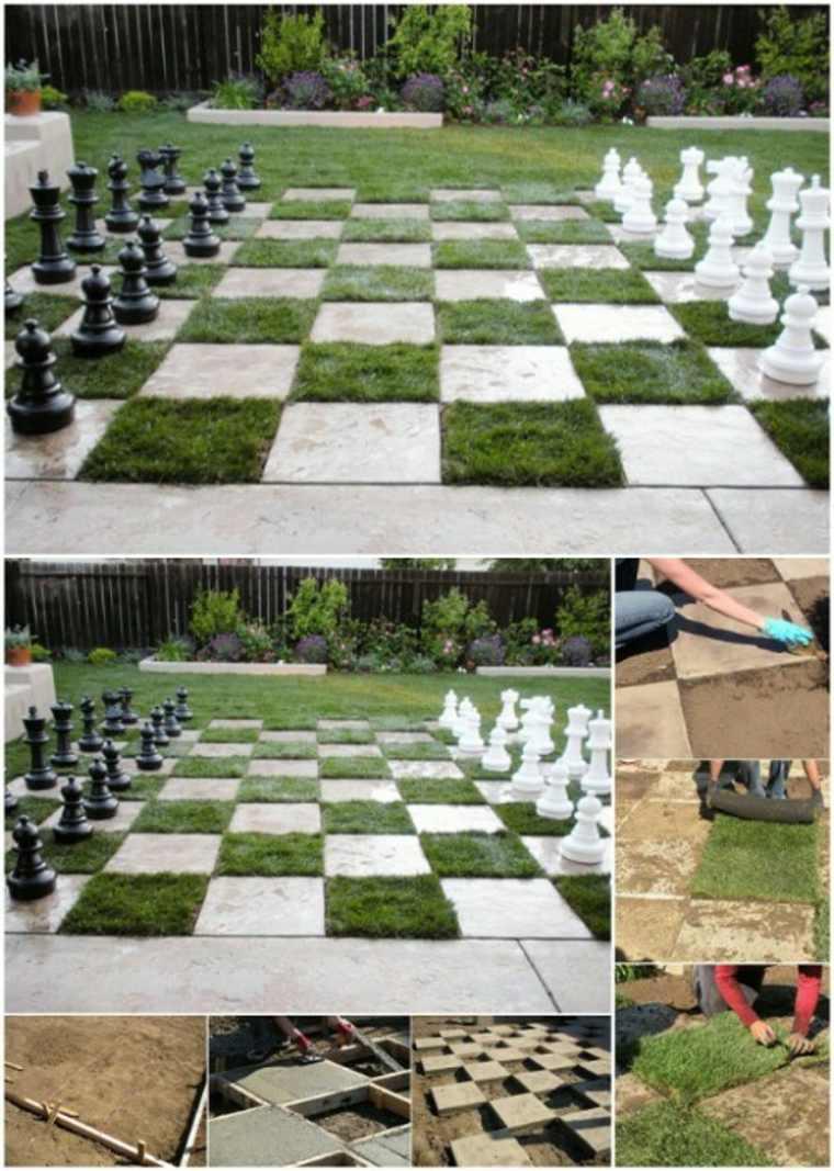 Un ajedrez gigante en el jardín