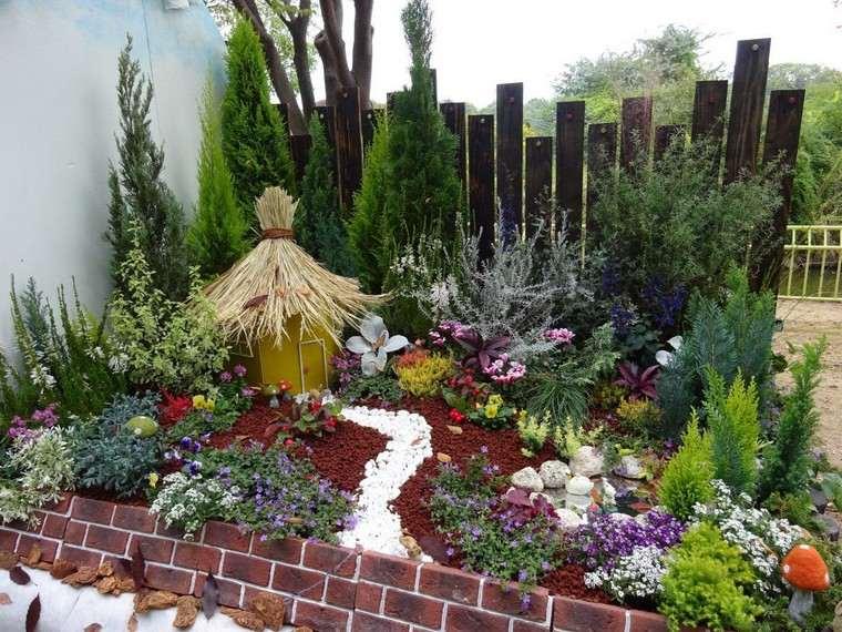 ===Jardines ambulantes...=== Kei-tora-concurso-jardineria-inusual