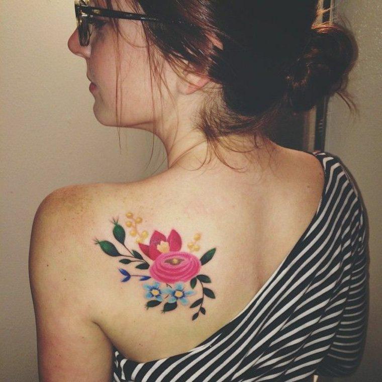 diseño de tatuaje de flores