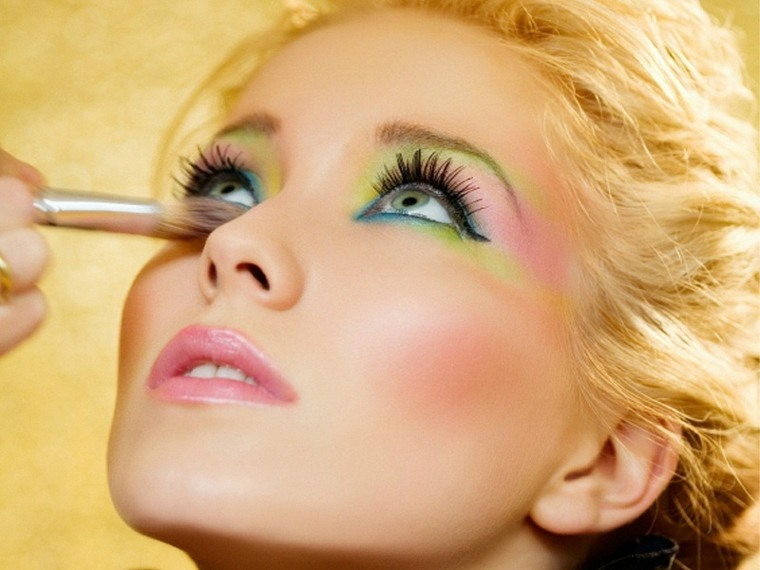 maquillaje de moda-alegre-verano