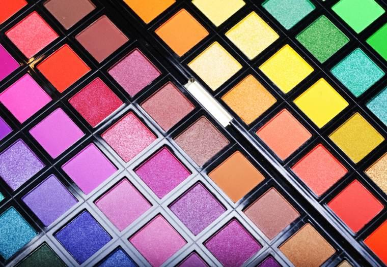 maquillaje de moda-muchos-colores-verano