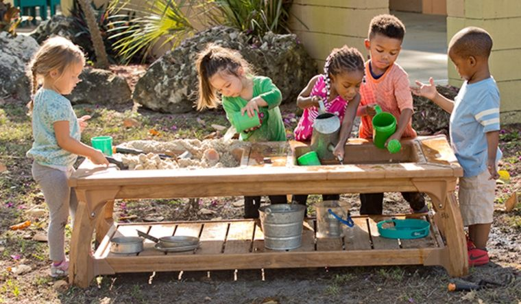 instalar un parque infantil en el patio