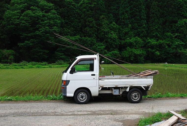 mini jardines-japones-ideas-camiones-pequenos