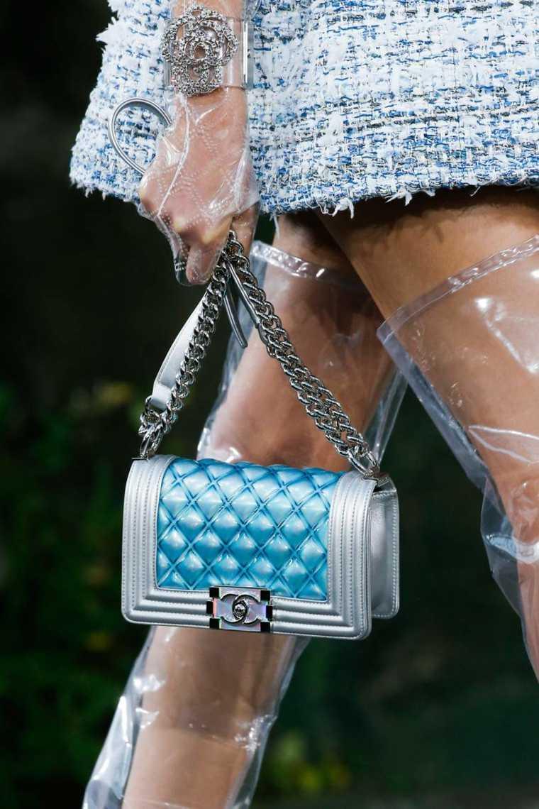 moda-actual-verano-esenciales-bolsos-Chanel-ideas-estilo