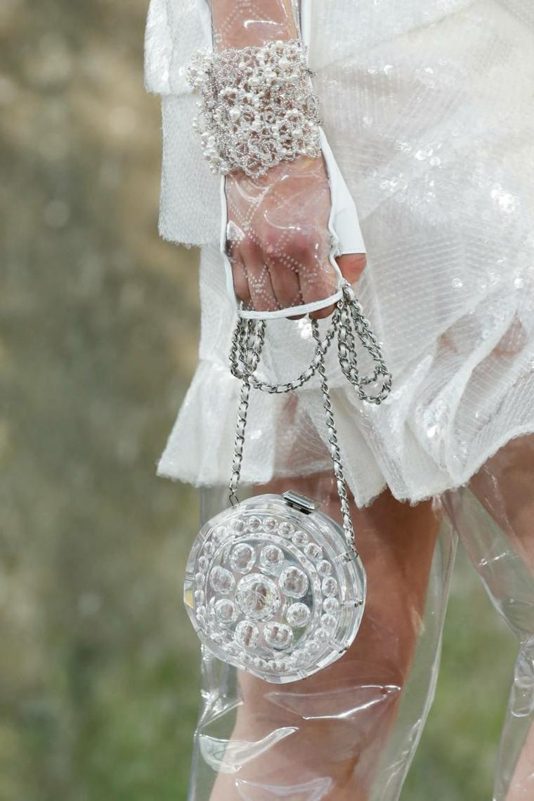 moda-actual-verano-esenciales-bolsos-Chanel-ideas-verano