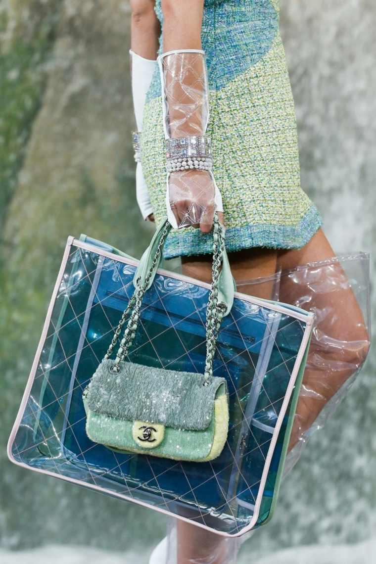 moda-actual-verano-esenciales-bolsos-Chanel