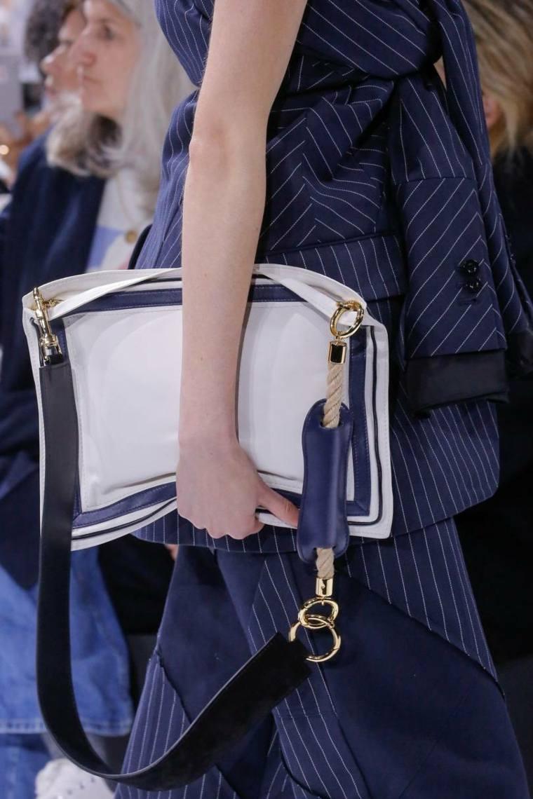 moda-actual-verano-esenciales-bolsos-Sacai