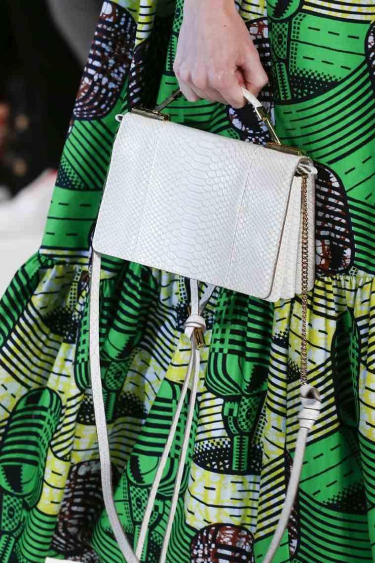 moda-actual-verano-esenciales-bolsos-Stella-McCartney