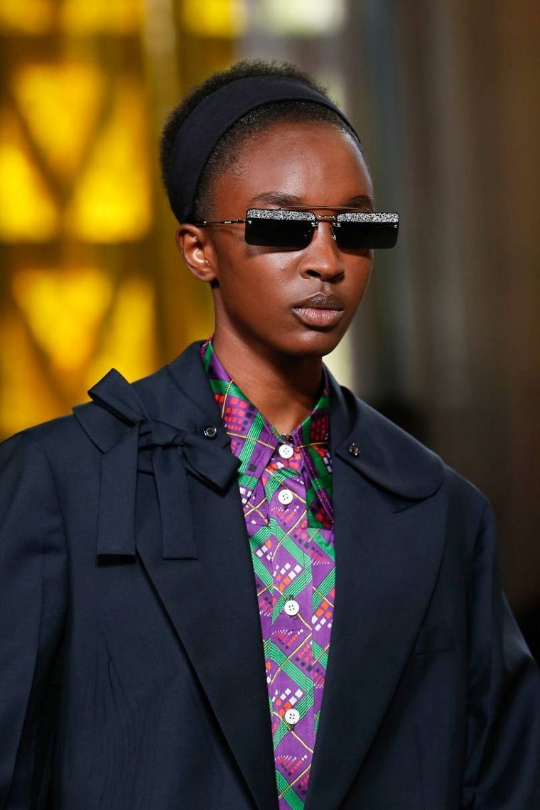 moda actual-verano-esenciales-gafas-sol-Miu-Miu