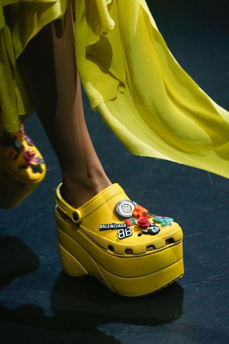 moda-actual-verano-esenciales-zapatos-Balenciaga