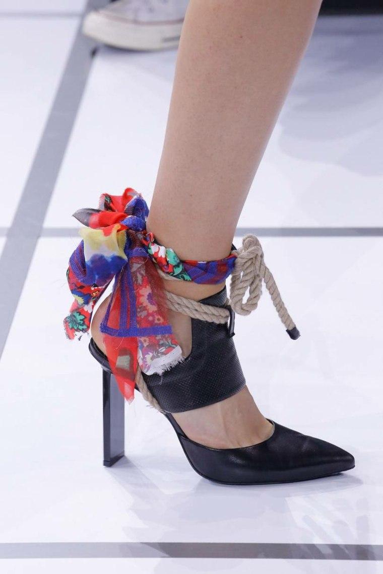 moda-actual-verano-esenciales-zapatosGiambattista-Valli-ideas