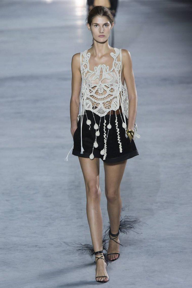 moda-actual-verano-pantalones-cortos-Saint-Laurent-opciones