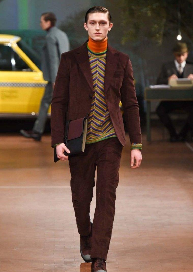 moda-hombre-2018-disenos-originales-color-marron-oscuro