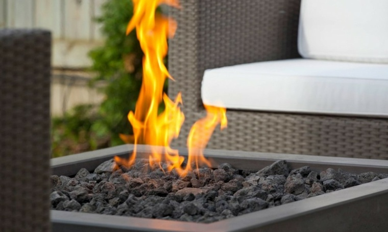 chimeneas modernas para jardines