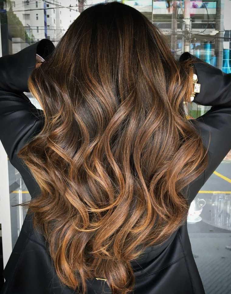 estilo cabello caramelo