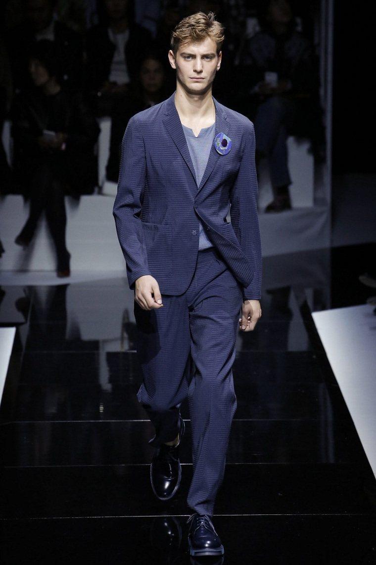 opciones-originales-traje-elegante-color-azul