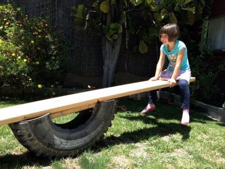 Columpio balancín Diy de neumáticos y listones de madera
