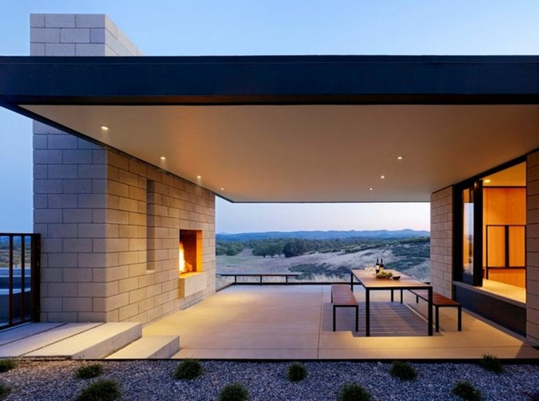 jardines con chimeneas modernas