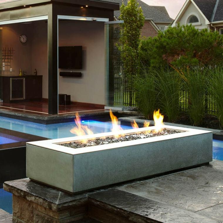 bonitos diseños de jardines con chimeneas