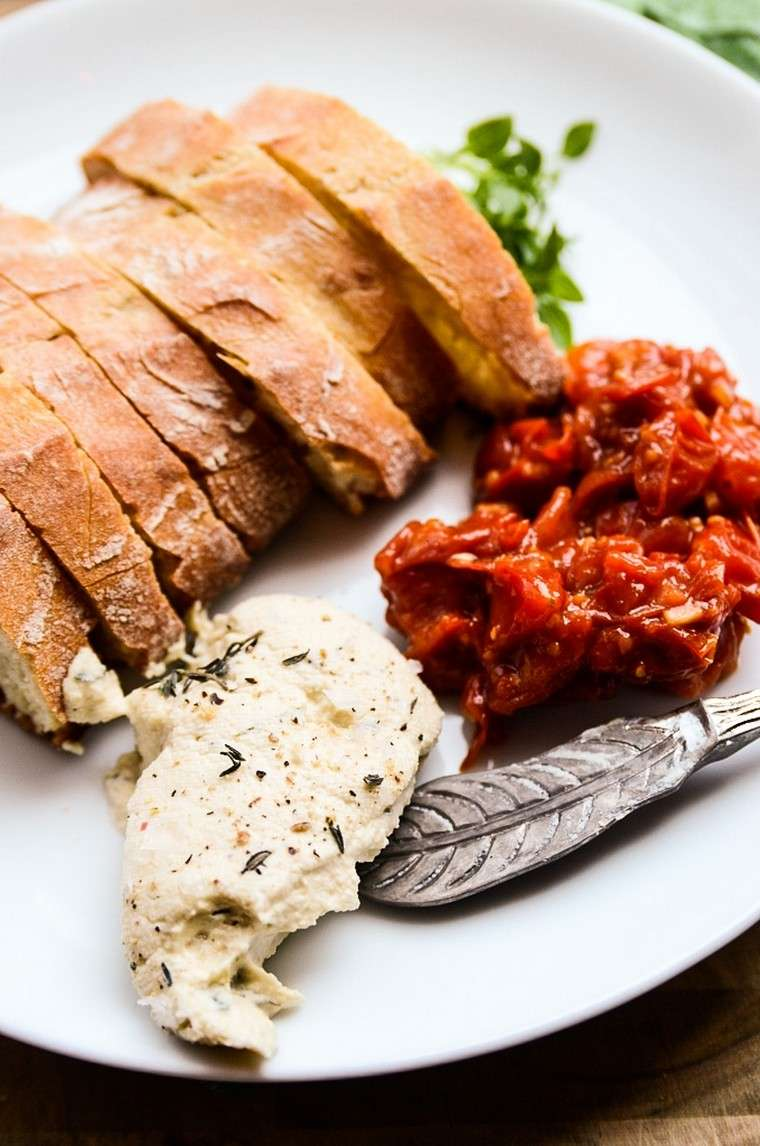 recetas-para-desayunos-pan-tostado-queso-vegano
