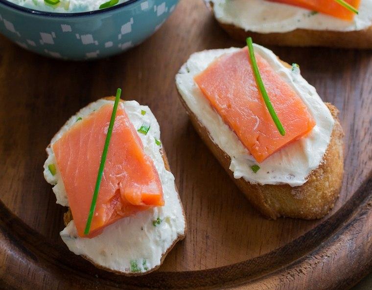 recetas-para-desayunos-pan-tostado-salmon-ideas