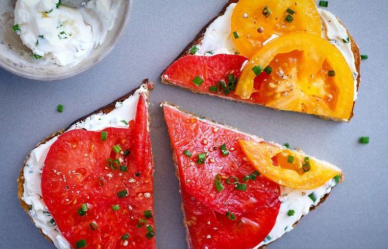 recetas para desayunos tomates-queso-feta