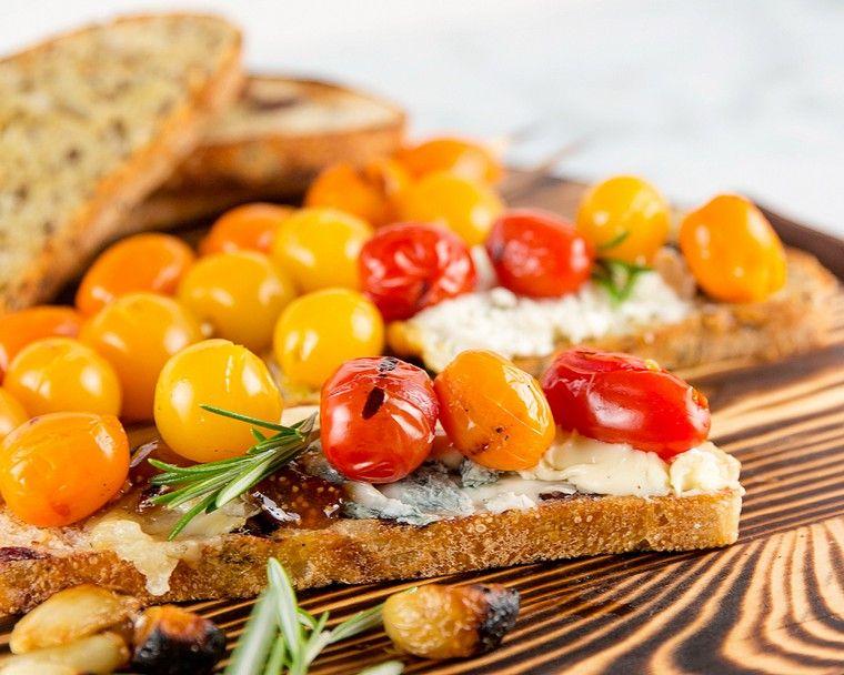 recetas para desayunos tomates-quesos