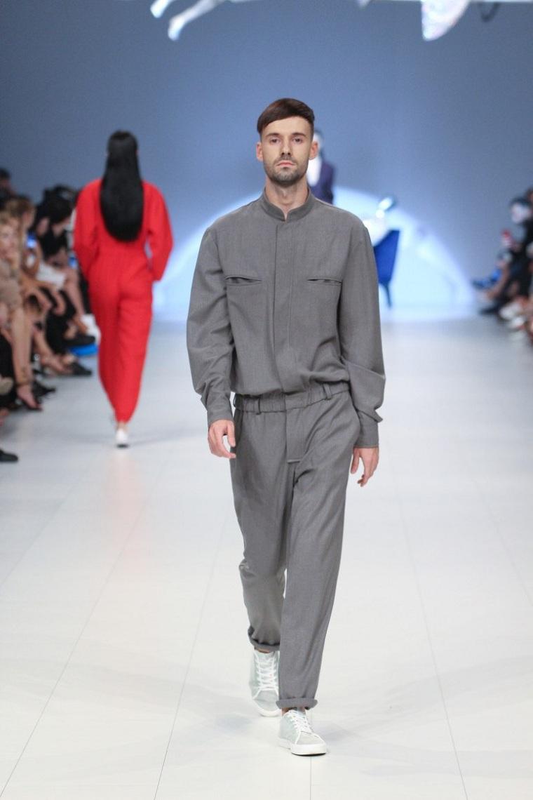 ropa-de-moda-para-hombre-tendencias-estilo-casual-gris