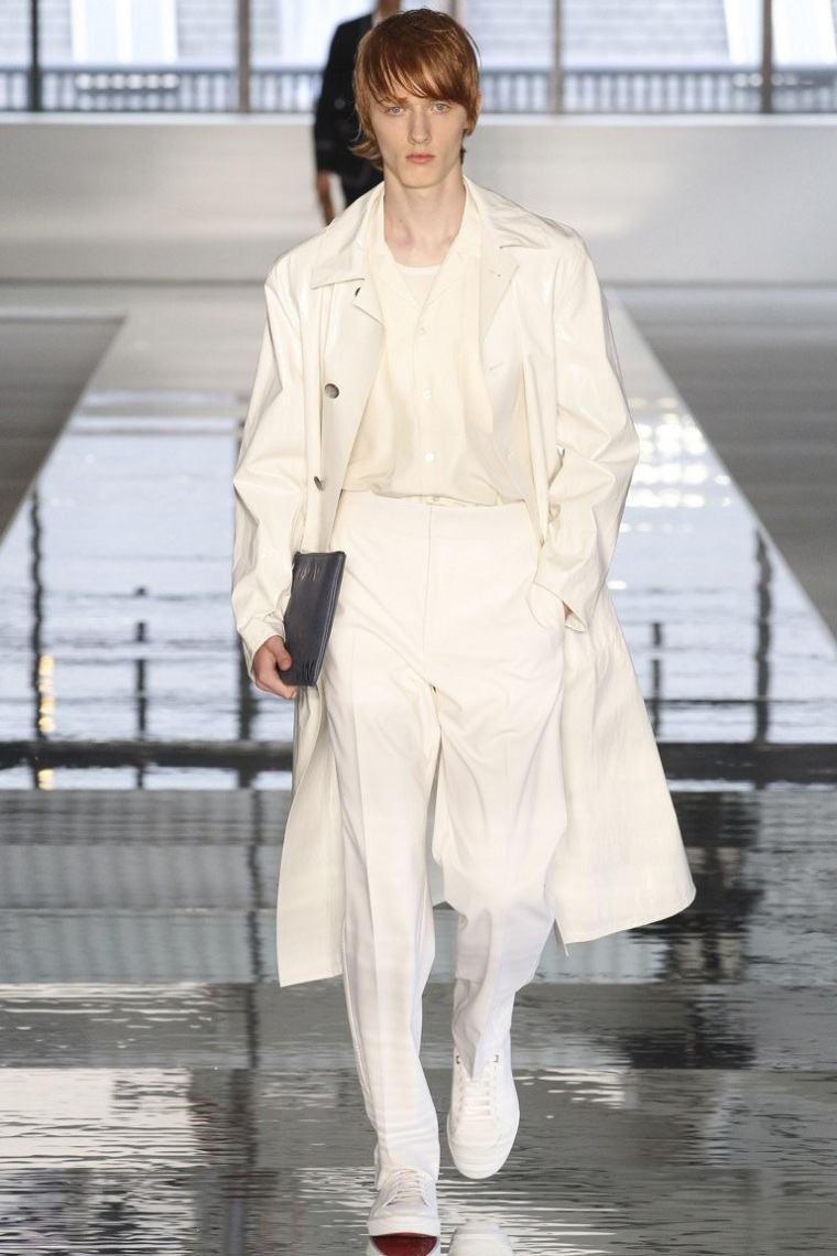 ropa-moda-hombre-abrigo-largo-blanco