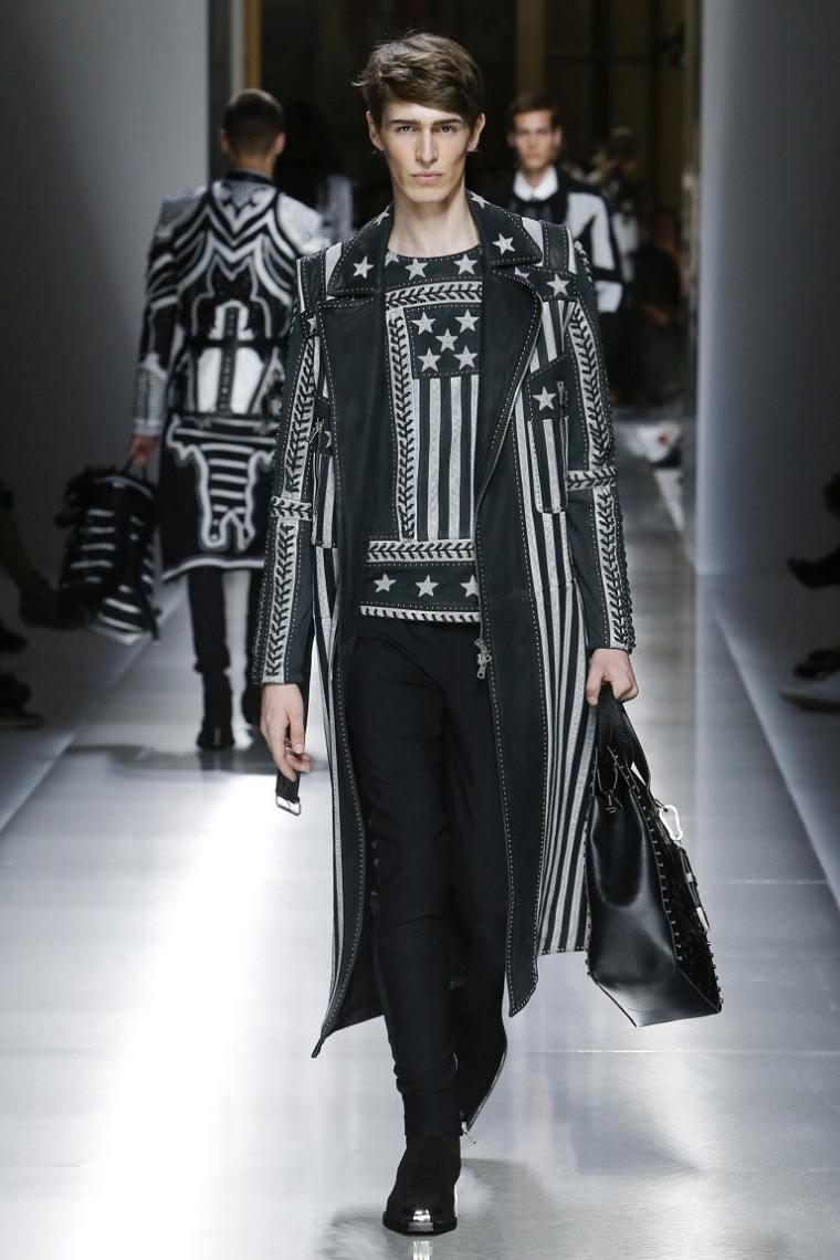 ropa-moda-hombre-abrigo-largo-negro-detalles-estrellas