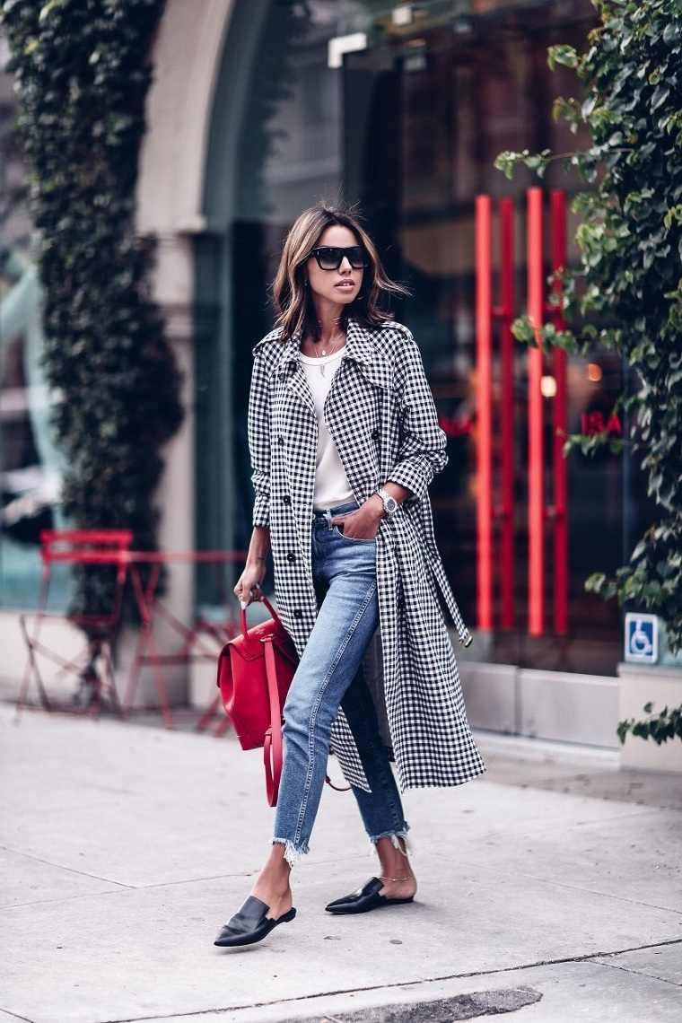 ropa-moderna-chica-estilo-urbano-2018-abrigo-largo-denim