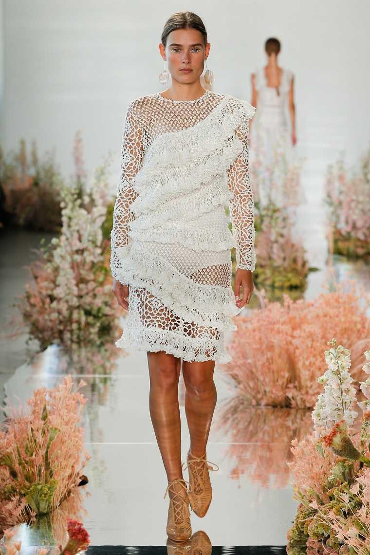 ropa-moderna-chica-estilo-urbano-2018-ideas-Ulla-Johnson-Spring-2018
