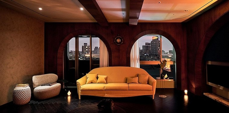 sala-estar-sofa-color-amarillo-diseno-interior