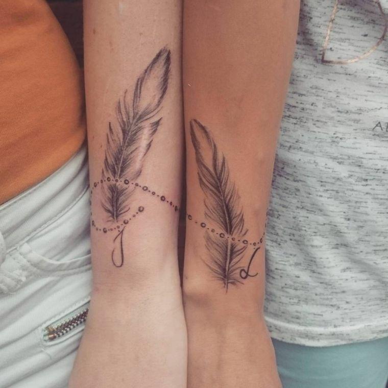 tatuaje-pluma-ideas-amigas-estilo