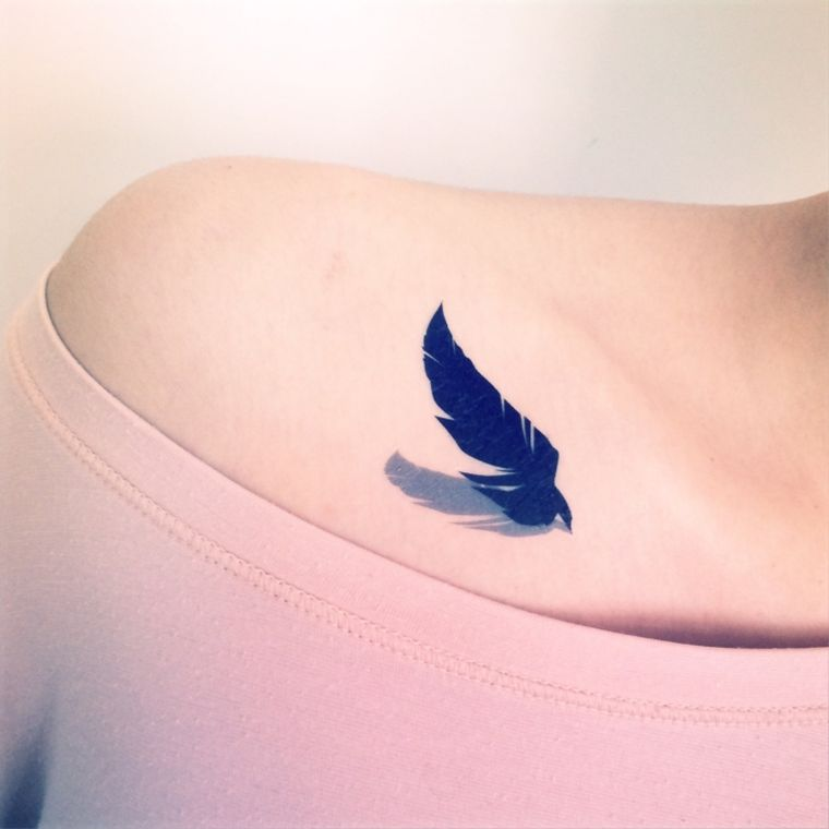 tatuajes-de-plumas-ideas-azul