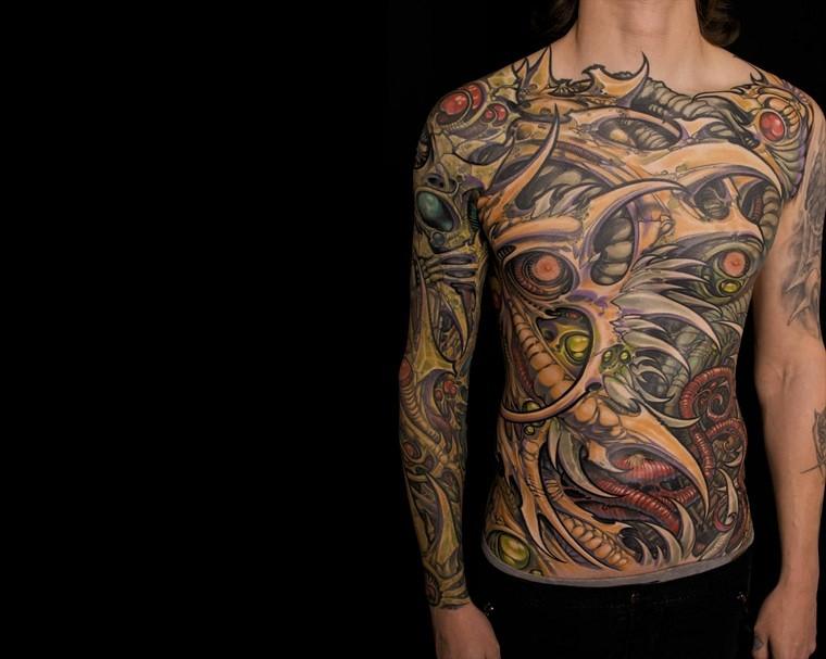 tatuajes-elegantes-tendencias-estilo-moderno-nueva-escuela