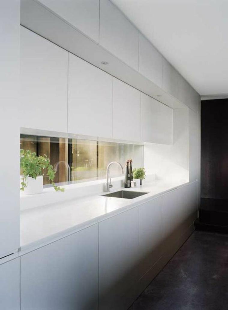 ventana-salpicadero-cocina-minimalista