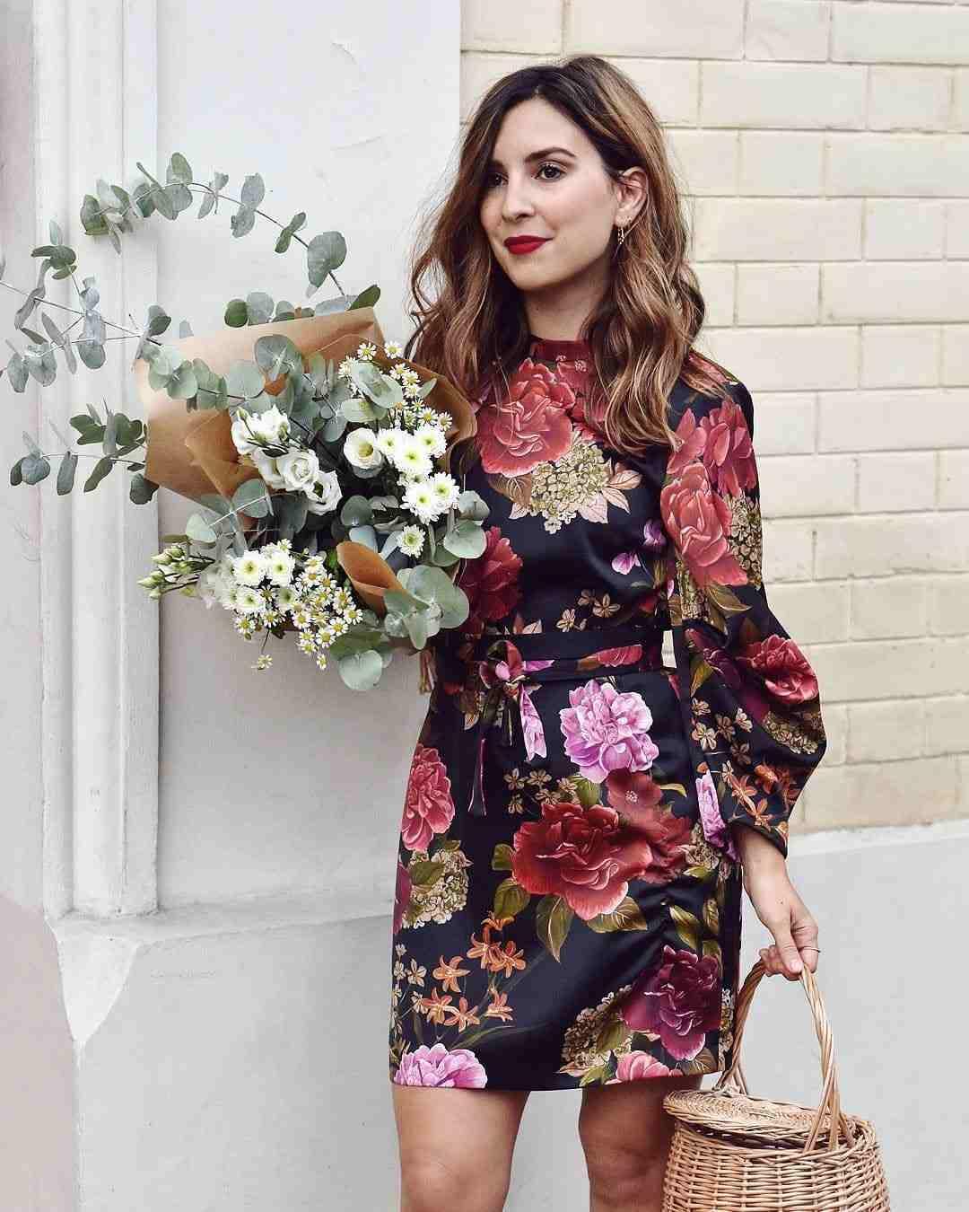 vestido-bonito-estampa-flores-estilo