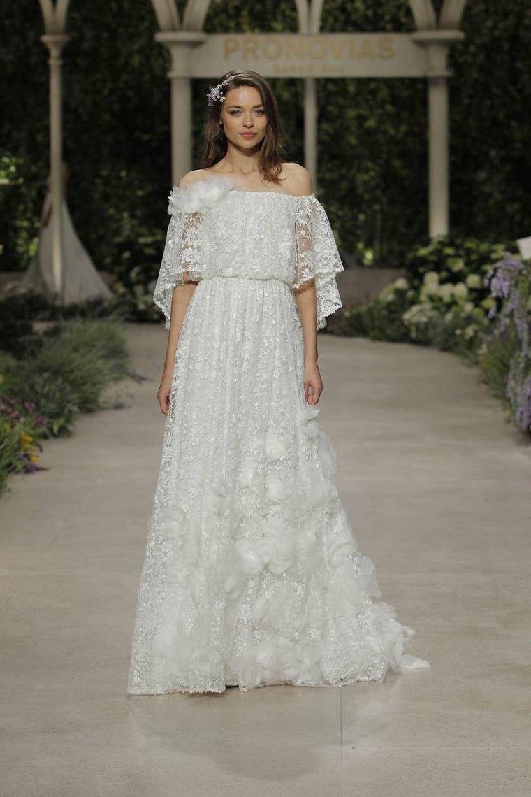vestidos-de-novia-modernos-disenos-Claire-Pettibone-2019