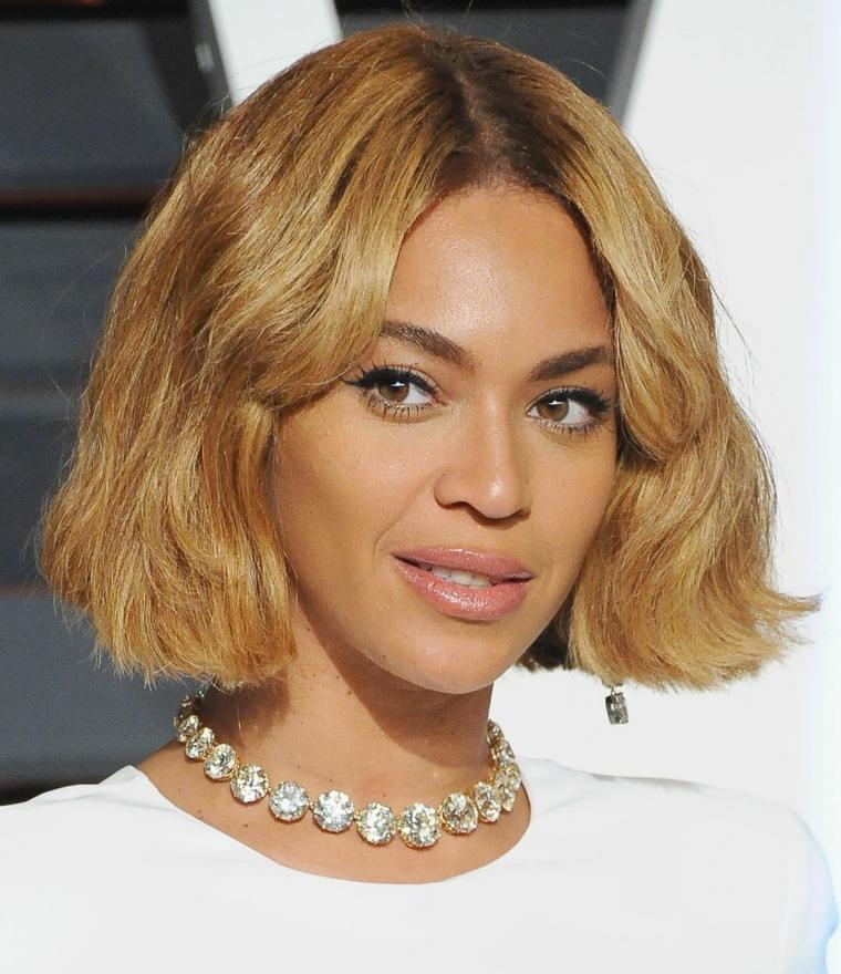 Beyonce-cantante-cabello-bob-corte-verano