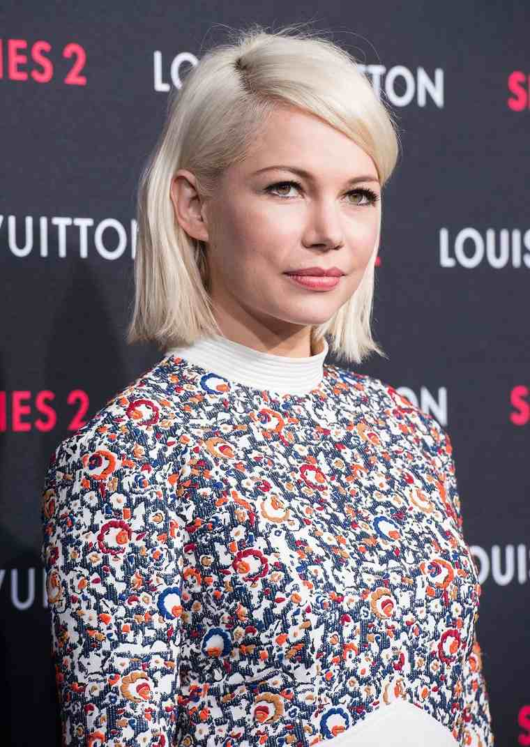 Michelle-Williams-cabello-rubio-corto