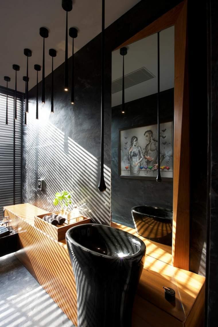 baño-en-negro-y-madera