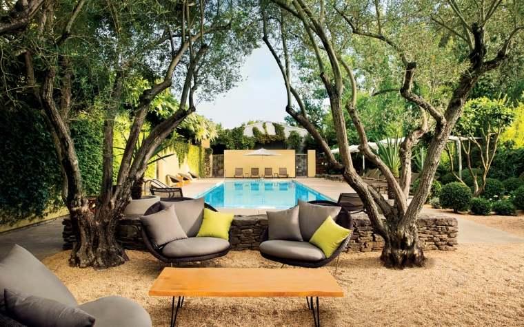 bello-jardin-interior-moderno